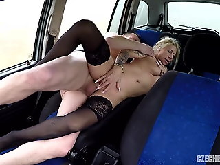 Hooker fucked in car for money