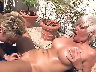 Porno hd lesbienne - Video complete de 21 minutes